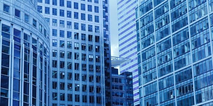 Groot gebouw bank